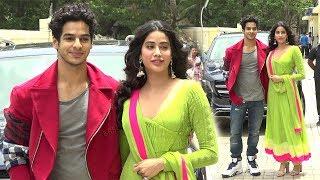 Video Sridevi's Daughter Jhanvi Kapoor Enters With Boyfriend Ishaan Khattar At Dhadak Trailer Launch MP3, 3GP, MP4, WEBM, AVI, FLV Juni 2018