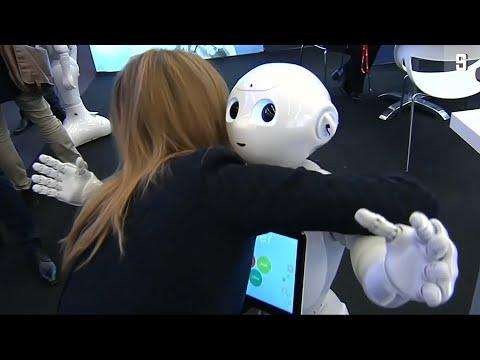 Ein Kerl zum Knuddeln: Pepper, der Kuschelroboter auf dem Mobile World Congress in Barcelona
