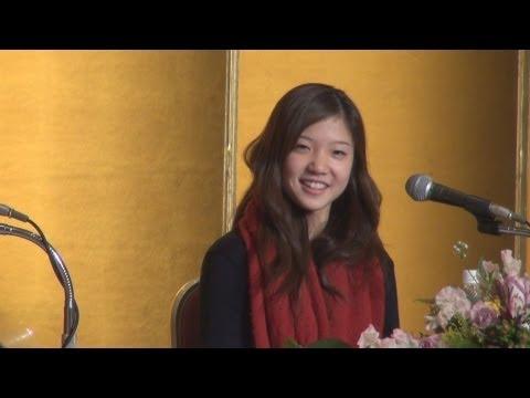 ローザンヌ国際バレエコンクール1位の菅井円加さん会見/神奈川新聞