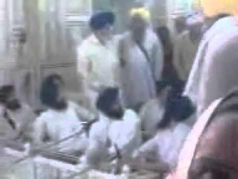 SGPC Manager Stops Kirtan and Swears at Ragis in Darbar Sahib Taran Taaran