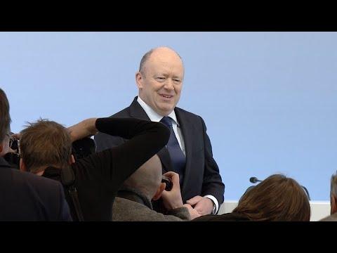 Nach drittem Verlustjahr: Deutsche-Bank-Chef vertei ...