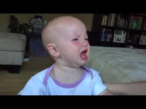 Kuuntele kuinka hauskalta kuulostaa vauvan itku hidastettuna