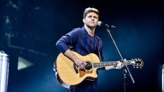 Niall Horan - This Town (Radio 1's Teen Awards 2016) Video