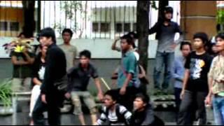 Video Perang Demonstran Mahasiswa UIN Sunan Kalijaga dengan Polisi MP3, 3GP, MP4, WEBM, AVI, FLV Januari 2019