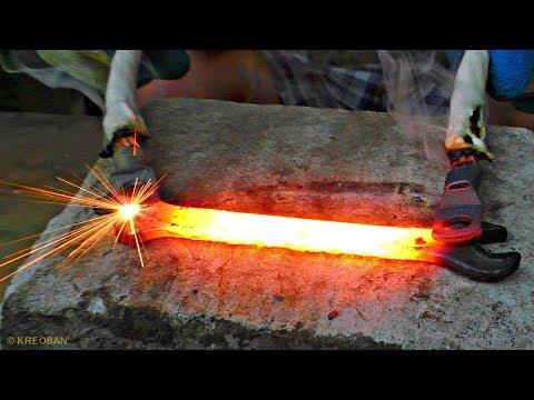 Как расплавить металл Сверх Током из микроволновки?!?