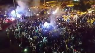Torcida canta com chegada do ônibus no Mineirão jogo contra Palmeiras Copa do Brasil 27/07/2017.