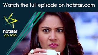 Kadhala Kadhala! Click here http://www.hotstar.com/tv/kadhala-kadhala/14294/anika-spills-coffee-on-shiva/1000182918 to watch the full episode.Anika Spills Coffee On Shiva Omkara and Rudra tease Shiva about Anika. Anika accidentally spills coffee on Shiva's shirt.