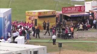 Trommel-Flashmob für Airbus