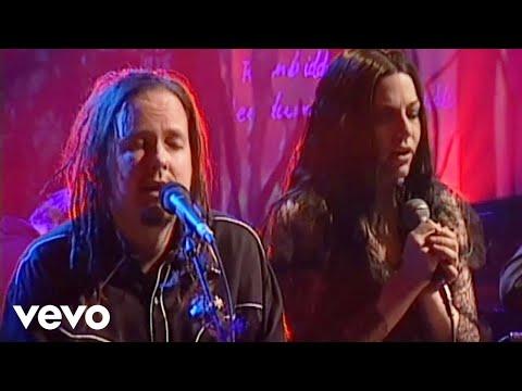 Tekst piosenki Evanescence - Freak On A Leash (feat Korn) po polsku