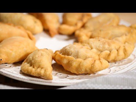 Video নারকেলি পুলি পিঠা | ভাজা পুলি পিঠা | Coconut Puli Pitha | Deep Fry Snack | Bangladeshi Pitha Recipe download in MP3, 3GP, MP4, WEBM, AVI, FLV January 2017