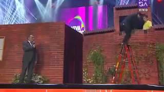 """El elenco de """"Detrás del Muro"""", junto a sus invitados especiales Gonzalo Cáceres y Pirinoli, desataron la euforia entre el publico de Viva Dichato con todos sus segmentos e imitaciones."""