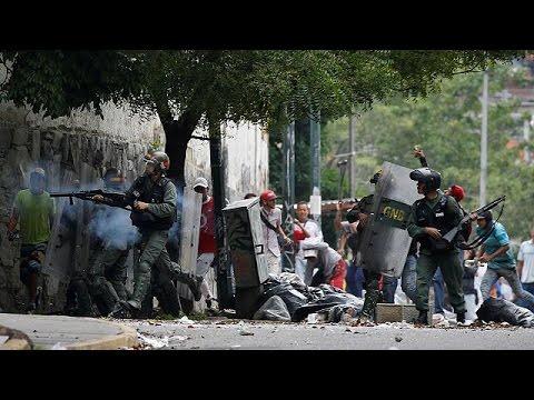 Βενεζουέλα: Στα άκρα η κόντρα αντιπολίτευσης – Μαδούρο