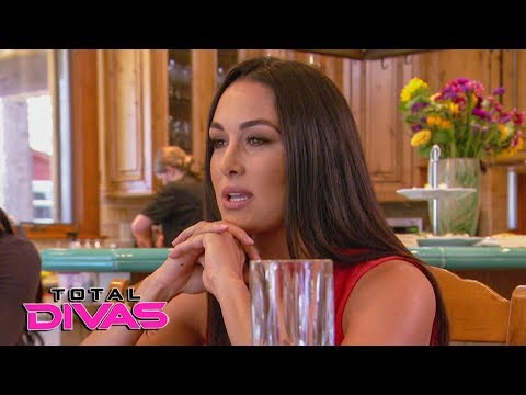 Can Brie Bella have fun and be a good mother?: Total Divas Preview Clip, Nov. 14, 2018