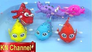 KN Channel có đồ chơi trẻ em Bộ câu cá vui nhộn, Mùa hè mà đi câu cá thì còn gì bằng. Bé Na xách cần câu lên và đi thôi.