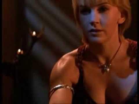 """Xena/Gabrielle - """"Falling""""/Bizarre Love Triangle (Xena: Warrior Princess music video)"""
