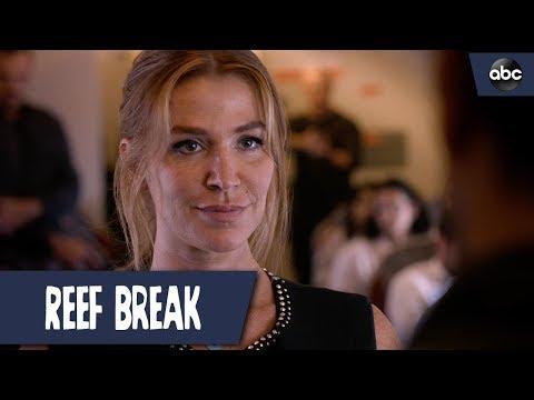Cat Negotiates With Hijackers - Reef Break