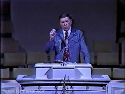 Dr. Walter Martin – Part 2 of 2 – Jehovah's Witnesses and Jesus Christ 1983