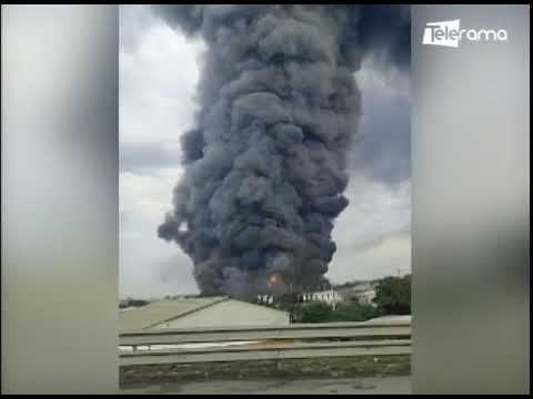 Bomberos de Guayaquil lograron controlar incendio en bodegas de electrodomésticos vía a Daule