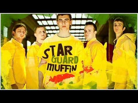 Tekst piosenki StarGuardMuffin - Nikt o tym nie wie po polsku