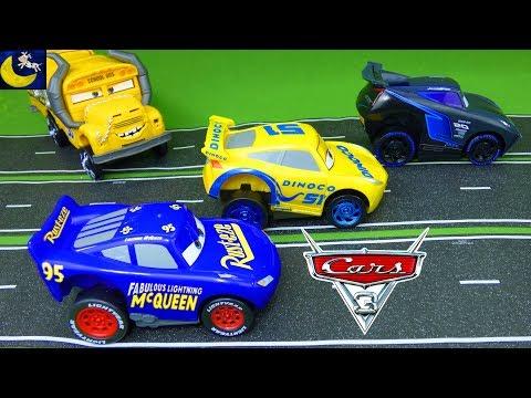 Disney Cars 3 Toys Revvin Action Fabulous Lightning McQueen Jackson Storm Cruz Ramirez Race Car Toys