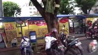 Yogyakarta Indonesia  City pictures : Walking in Malioboro Street in Yogyakarta, Indonesia
