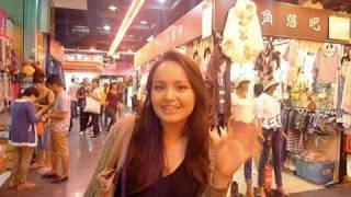 A trip to an indoor clothes market in BeiJing 北京