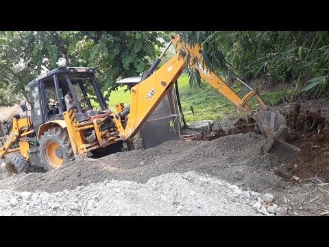 Video JCB Working on Mud - JCB Dozer Leveling Ground - Dozer Video 3 download in MP3, 3GP, MP4, WEBM, AVI, FLV January 2017