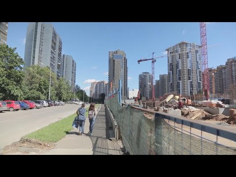 Moscow gets a makeover: Muscovites divided over Russian capital's facelift (видео)