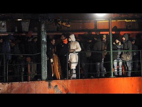 Un nouveau cargo plein de migrants abandonné dans l'Adriatique