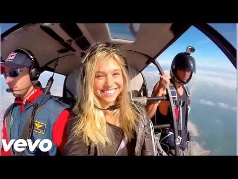 The Chainsmokers & Coldplay - Something Just Like This (Official Video HD) Legenda em português