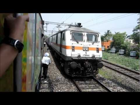 Howrah Rajdhani - Some rather unexpected action from Eastern Railways. Our 12260 New Delhi Sealdah Duronto Express stopped at Asansol for an unscheduled halt of five minutes, ...