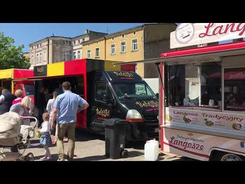 Wideo1: Festiwal Smaków Food Trucków w Lesznie tuż po otwarciu