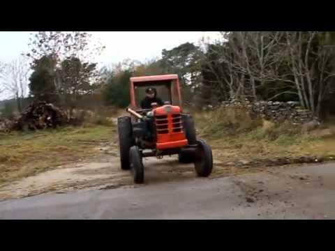 guardate che cose incredibili riesce a fare questo trattore!