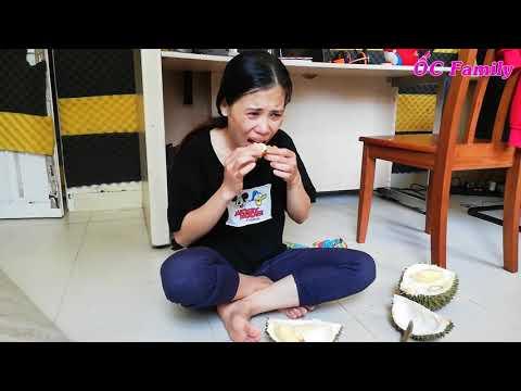 Lần đầu tiên mẹ ỐC ăn thử Sầu Riêng :3