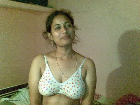 Video Hot Aunty sexy Dance Very Nice Boobs download in MP3, 3GP, MP4, WEBM, AVI, FLV January 2017