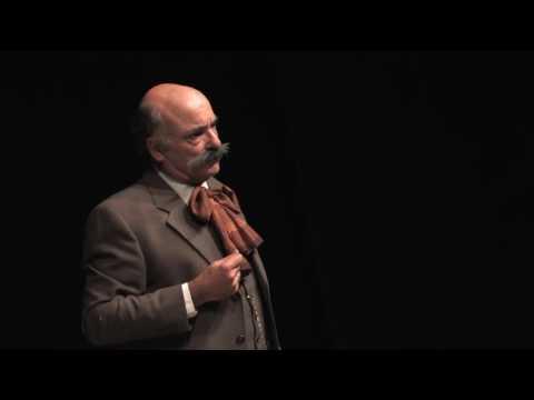 Enric Granados puja a l'escenari de la Nau Cultural de Valldoreix