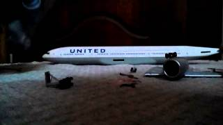 Video Hogan United Airlines Boeing 777-200 Unboxing MP3, 3GP, MP4, WEBM, AVI, FLV Agustus 2018