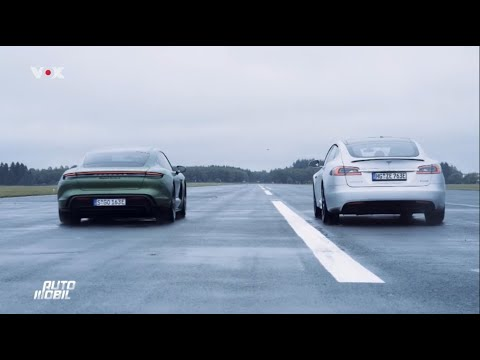 Tesla Model S P100D vs Porsche Taycan Turbo S Drag Race