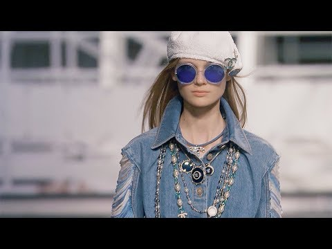 Chanel | Cruise 2019 Full Fashion Show | Exclusive