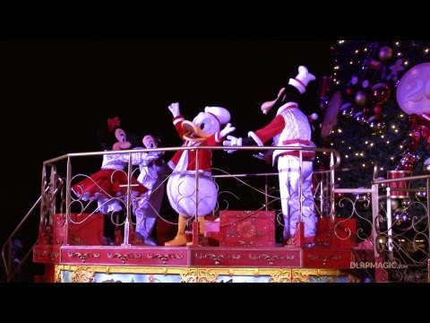 dlrpmagicvideo - Christmas Tree Lighting Ceremony (La Cérémonie d'Illumination du Sapin de Noël) at Disneyland Paris — Disney's Enchanted Christmas by http://www.dlrpmagic.co...