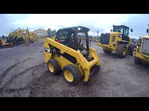 CATERPILLAR SKID STEER LOADERS 236D equipment video YW8u9agLt5g