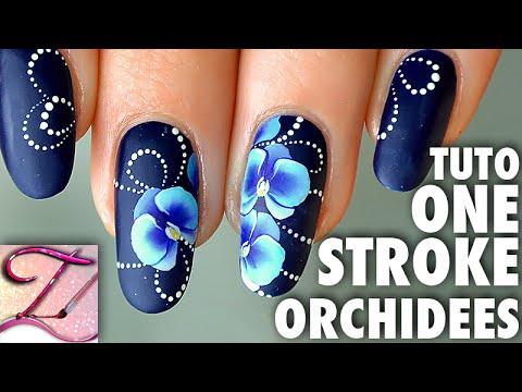 nail art blu orchids
