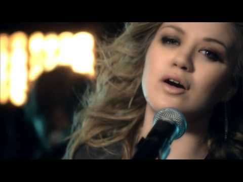 Kelly Clarkson -  My Life Would Suck Without You [Official Video] *HOT*