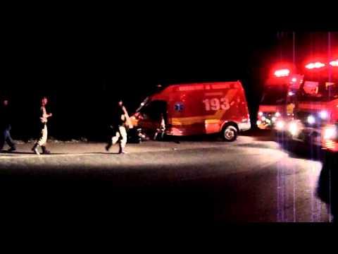 Acidente deixa três Bombeiros feridos na BR-470, em Gaspar