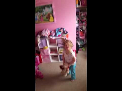 Audrina  bear is in trouble (видео)