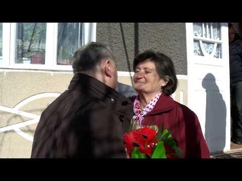 Игорь Додон навестил три супружеские пары долгожителей в Хынчештском районе