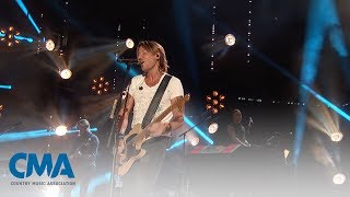 Keith Urban - Blue Ain't Your Color | CMA Fest 2017 | CMA