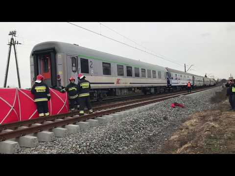 Wideo1: Śmiertelne potrącenie na torach przy ul. Dożynkowej w Lesznie