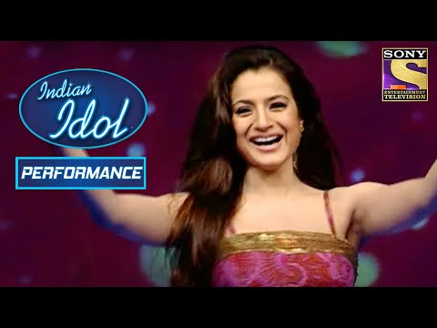 Amisha की हुई 'Kaho Naa Pyar Hai' पे Grand Entry | Indian Idol Season 2