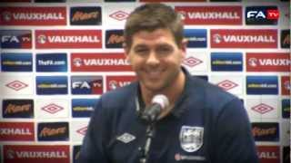 Steven Gerrards Missverständnis bei Pressekonferenz gegen Polen